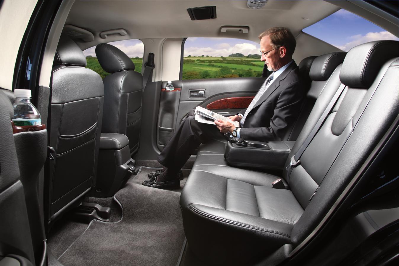 luxury sedan island coast transportation. Black Bedroom Furniture Sets. Home Design Ideas